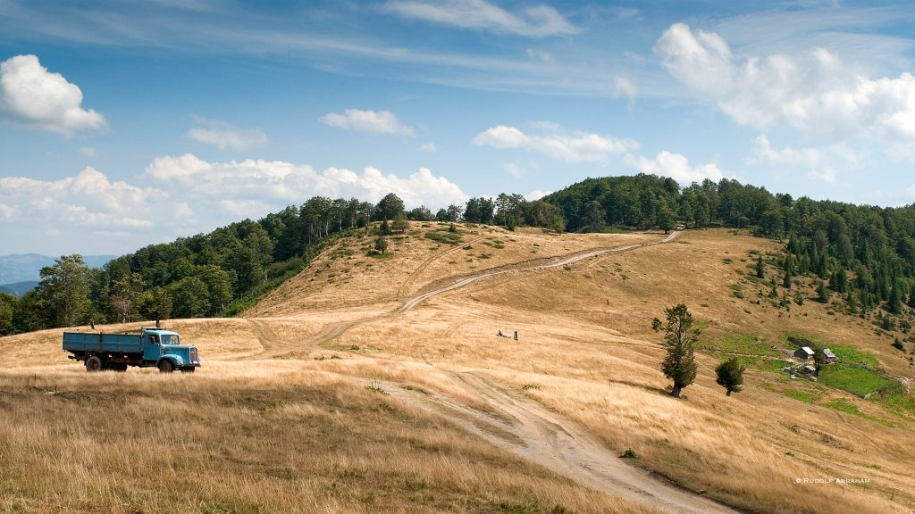Rudolf-Abraham-Montenegro-hiking-travel-writer-photographer